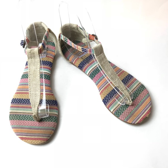 8df2515a0f4 Toms thong sandals size 6. M 5af201dba825a68486aa104a